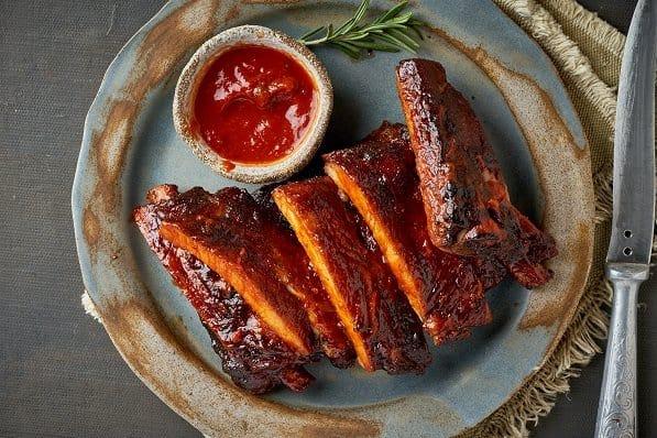 Costicine di maiale con salsa barbecue